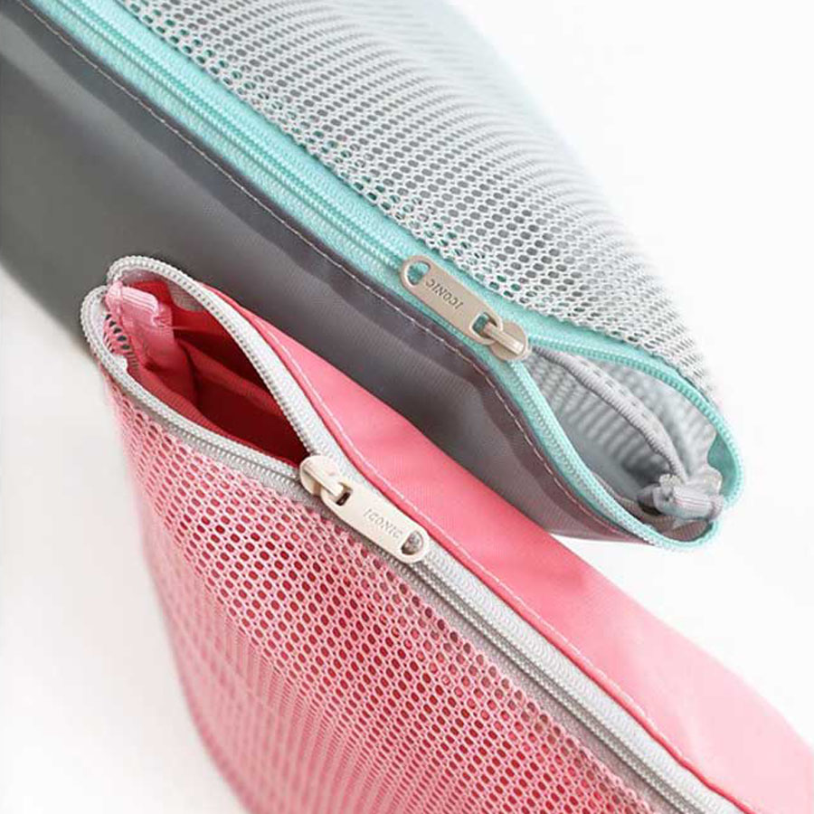 Iconic Mesh Multi Pouch L Travel Toiletry Organizer
