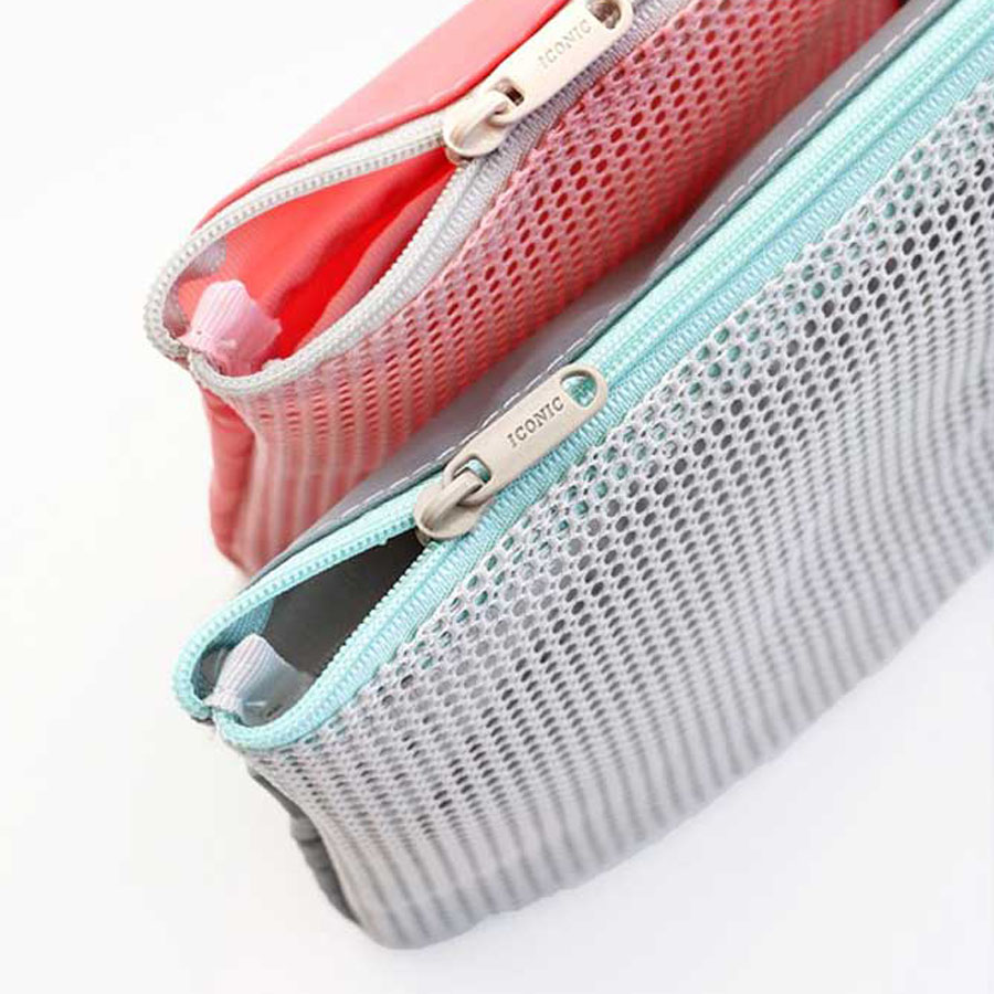 Iconic Mesh Multi Pouch S Travel Toiletry Organizer