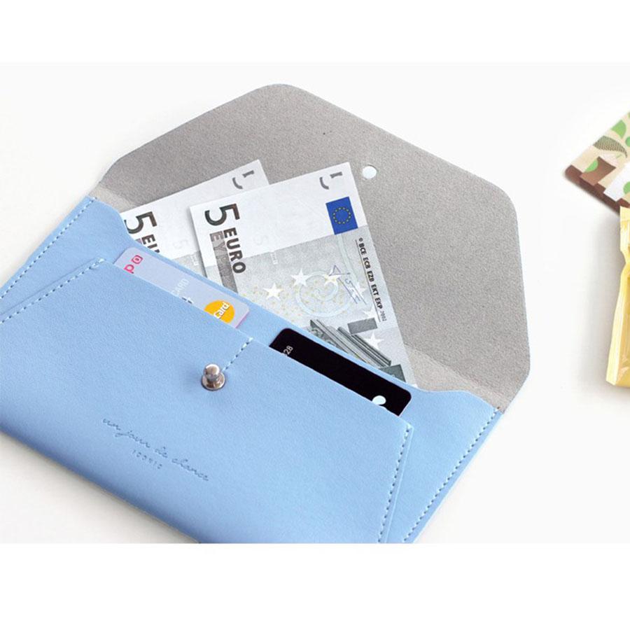 Iconic Slit Wallet Women S Faux Leather Long Wallet